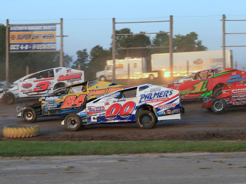 Lucas oil empire super sprints add to excitement on for Victory motors rome ny